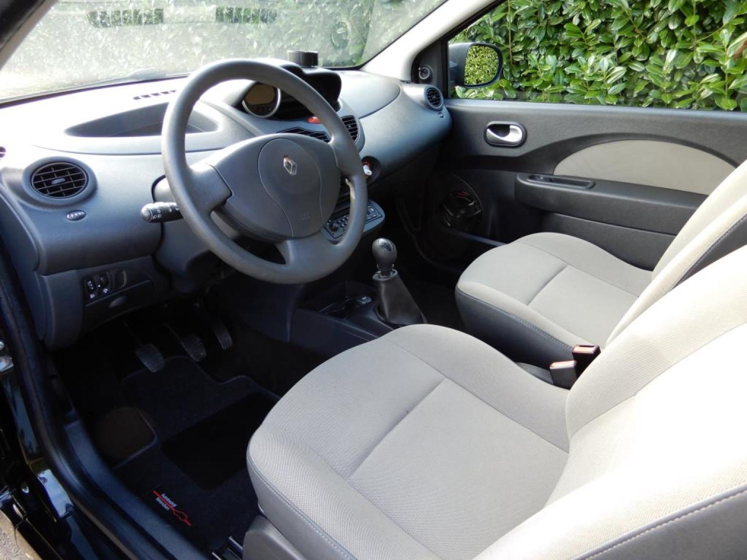 Renault-Twingo-8
